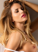 Chelsea blonde Denisse london escort