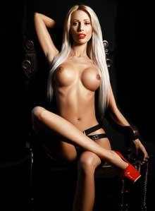 South Kensington blonde Nixi london escort