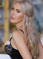 Knightsbridge 200-to-300 Madeline london escort