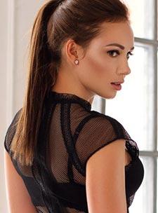 South Kensington brunette Viktoria london escort