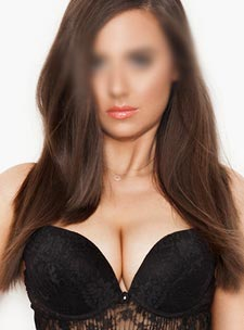 Knightsbridge busty Lauren london escort