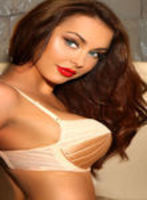 Chelsea brunette Elizebeth london escort