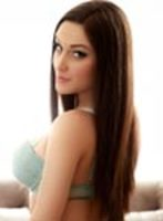 Mayfair brunette Bobbi london escort