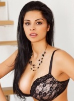 Bayswater brunette Fernanda london escort