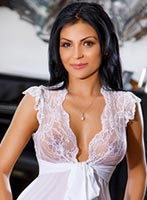 Bayswater brunette Monika london escort