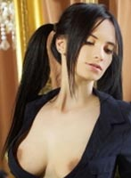 Outcall Only brunette Kimy london escort