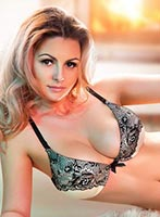 Notting Hill busty Harper london escort