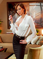 Kensington brunette Julia london escort